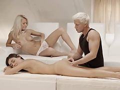 Exclusive blondies threesome from Sweden