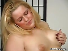 Chubby blonde is willing to give her part4